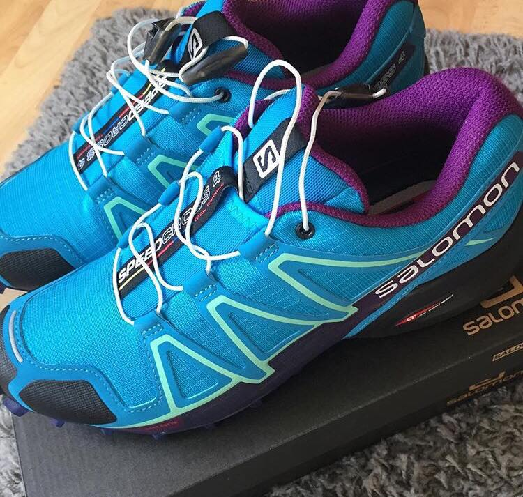 Immaculate new Salomon Speedcross 5Ws, bright blue and purple
